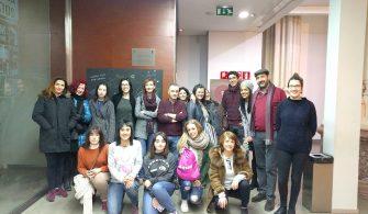 Un grupo de estudiantes de What's Up! Valencia preparados para realizar un Museum Tour por su ciudad